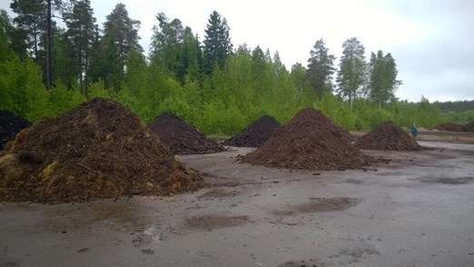 The summer 2016 composting experiments have started in May 2016 in Koukkujärvi
